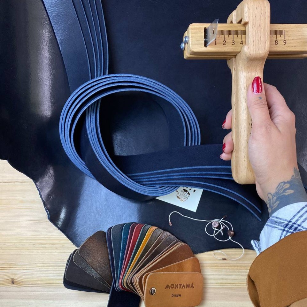 Заготовки для ремней, 2.8-3.0 мм, цвет 145, DOUGLAS, MONTANA, Италия
